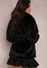 Renee - Czarna Kurtka Dorima. Kolor: czarny. Materiał: skóra, futro, poliester. Sezon: jesień, zima. Styl: elegancki