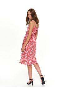 Różowa sukienka TOP SECRET kopertowa, z falbankami, elegancka, na zimę