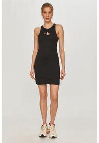 Calvin Klein Jeans - Sukienka. Kolor: czarny. Materiał: dzianina, bawełna. Typ sukienki: dopasowane