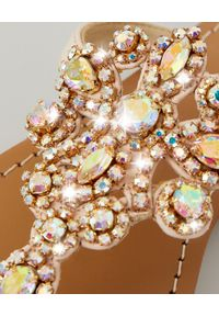MYSTIQUE SHOES - Różowe japonki z kryształami. Kolor: wielokolorowy, różowy, fioletowy. Materiał: zamsz, materiał. Wzór: aplikacja, paski. Sezon: lato