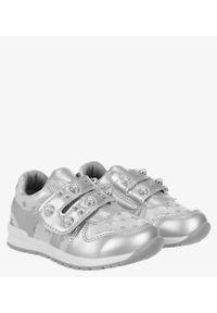 Casu - Srebrne buty sportowe z perełkami ze skórzaną wkładką na rzep casu p-270. Zapięcie: rzepy. Kolor: srebrny. Materiał: skóra