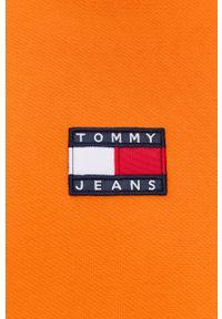 Tommy Jeans - Bluza bawełniana. Okazja: na co dzień. Kolor: pomarańczowy. Materiał: bawełna. Styl: casual