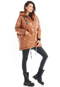 Beżowa kurtka pikowana Awama z kapturem
