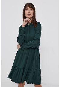 Vila - Sukienka. Kolor: zielony. Materiał: tkanina. Długość rękawa: długi rękaw. Wzór: gładki. Typ sukienki: rozkloszowane