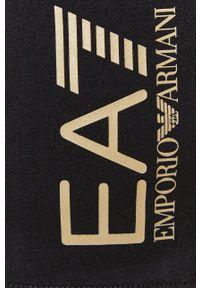 EA7 Emporio Armani - Szorty. Okazja: na co dzień. Kolor: czarny. Materiał: dzianina. Wzór: nadruk. Styl: casual