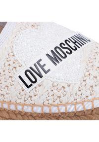 Beżowe półbuty Love Moschino na płaskiej podeszwie, z cholewką, z aplikacjami