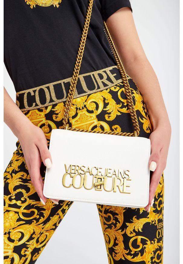 Versace Jeans Couture - TOREBKA VERSACE JEANS COUTURE. Wzór: haft, aplikacja. Dodatki: z haftem. Materiał: z tłoczeniem, zdobione