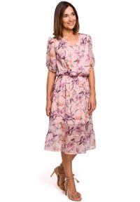 MOE - Zwiewna Szyfonowa Sukienka w Kwiaty z Falbanką - Model 2. Materiał: szyfon. Wzór: kwiaty