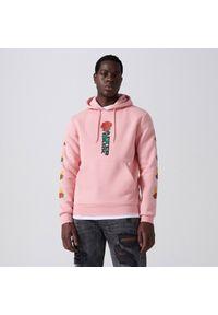 Cropp - Bluza z kapturem i nadrukiem - Różowy. Typ kołnierza: kaptur. Kolor: różowy. Wzór: nadruk