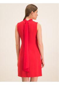 iBlues Sukienka koktajlowa 72262596 Czerwony Regular Fit. Kolor: czerwony. Styl: wizytowy #6