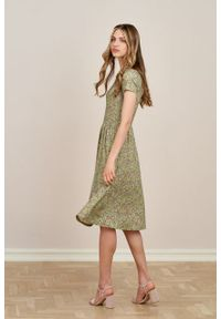 Marie Zélie - Sukienka Emelina Sapidae kawowa krótki rękaw. Materiał: wiskoza, dzianina, materiał, elastan, tkanina, guma. Długość rękawa: krótki rękaw. Styl: klasyczny. Długość: midi