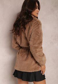 Renee - Brązowa Kurtka Thaliphae. Kolor: brązowy. Materiał: tkanina, futro. Wzór: aplikacja