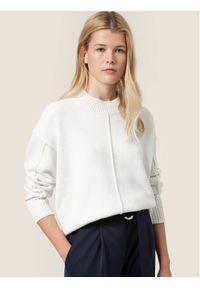 Biały sweter klasyczny Hugo