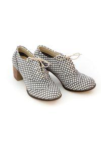 Zapato - sznurowane półbuty na 6 cm słupku - skóra naturalna - model 251 - kolor szara szachownica. Kolor: szary. Materiał: skóra. Obcas: na słupku