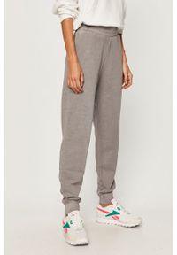 Fioletowe spodnie dresowe Reebok Classic
