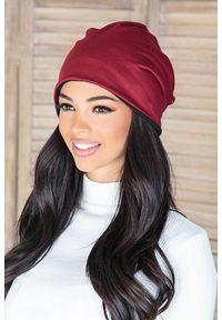 Czerwona czapka IVET na zimę