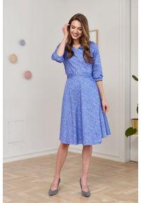 Marie Zélie - Sukienka Duilin Idella niebieska. Kolor: niebieski. Materiał: bawełna, satyna, skóra, materiał. Typ sukienki: kopertowe. Styl: klasyczny