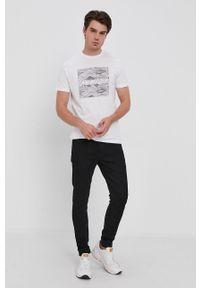 s.Oliver - s. Oliver - T-shirt bawełniany. Okazja: na co dzień. Kolor: biały. Materiał: bawełna. Wzór: nadruk. Styl: casual #5