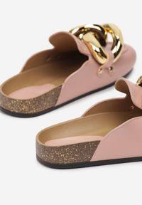 Born2be - Różowe Klapki Kaviell. Nosek buta: okrągły. Kolor: różowy. Styl: elegancki