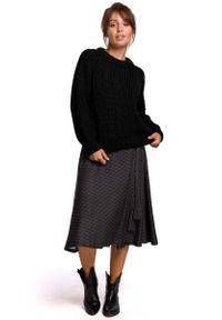 Czarny sweter MOE klasyczny