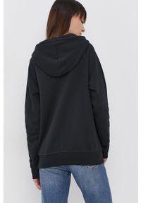 New Balance - Bluza. Typ kołnierza: kaptur. Kolor: czarny. Materiał: dzianina. Długość rękawa: raglanowy rękaw. Wzór: nadruk