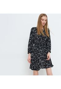 Mohito - Plisowana sukienka Eco Aware - Czarny. Kolor: czarny