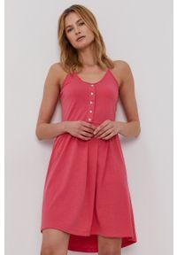 Vero Moda - Sukienka. Kolor: różowy. Materiał: bawełna, dzianina. Długość rękawa: na ramiączkach. Wzór: gładki. Typ sukienki: rozkloszowane