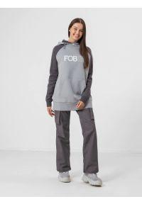 4f - Spodnie snowboardowe membrana 15 000 damskie. Kolor: szary. Materiał: materiał. Sezon: zima. Sport: snowboard