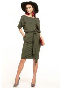 Tessita - Zielona Dzianinowa Sukienka z Kimonowym Krótkim Rękawem. Kolor: zielony. Materiał: dzianina. Długość rękawa: krótki rękaw