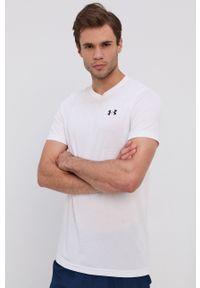 Under Armour - T-shirt. Kolor: biały. Materiał: dzianina. Wzór: nadruk