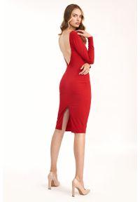Nife - Dopasowana Sukienka z wycięciem na Plecach - Czerwona. Kolor: czerwony. Materiał: elastan