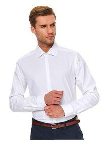 TOP SECRET - Koszula elegancka z tkaniny strukturalnej slim fit. Kolor: biały. Materiał: tkanina. Długość: długie. Sezon: lato. Styl: elegancki