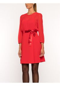 iBlues Sukienka koktajlowa 72261796 Czerwony Regular Fit. Kolor: czerwony. Styl: wizytowy #3