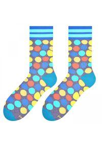 More - Szare skarpety męskie w kolorowe kropki SK184. Kolor: szary. Materiał: bawełna, poliamid, elastan. Wzór: kropki, kolorowy