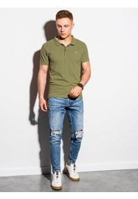 Oliwkowa koszulka polo Ombre Clothing polo, klasyczna, z haftami