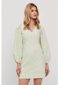 Samsoe & Samsoe - Samsoe Samsoe - Sukienka. Kolor: zielony. Materiał: tkanina. Wzór: gładki. Typ sukienki: rozkloszowane #1