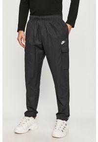 Czarne spodnie Nike Sportswear