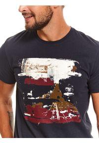 Niebieski t-shirt TOP SECRET z krótkim rękawem, z nadrukiem, krótki