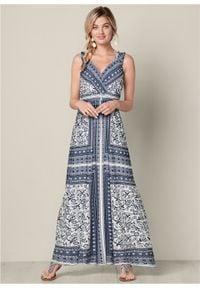 Długa letnia sukienka bonprix niebieski z nadrukiem. Typ kołnierza: dekolt w serek. Kolor: niebieski. Wzór: nadruk. Sezon: lato. Długość: maxi