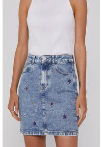 Desigual - Spódnica jeansowa. Okazja: na co dzień. Kolor: niebieski. Materiał: jeans. Styl: casual