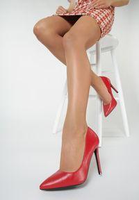 Renee - Czerwone Szpilki Arissa. Kolor: czerwony. Obcas: na szpilce