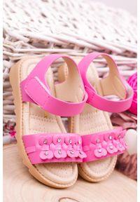 Casu - fuksjowe sandały na rzep z ozdobami casu hy-13. Zapięcie: rzepy. Wzór: aplikacja