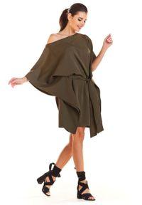 Infinite You - Khaki Kimonowa Sukienka z Paskiem. Kolor: brązowy. Materiał: poliester, elastan