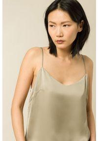 IVY & OAK - Bluzka Tilda. Kolor: zielony. Materiał: włókno, wiskoza, satyna, materiał. Długość rękawa: na ramiączkach. Wzór: ze splotem