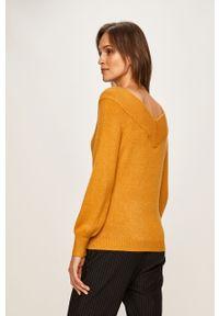 Oliwkowy sweter Jacqueline de Yong raglanowy rękaw, casualowy, na co dzień