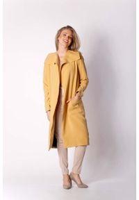 Nommo - Kamelowy Kopertowy Płaszcz z Dużymi Kieszeniami. Materiał: elastan, wiskoza