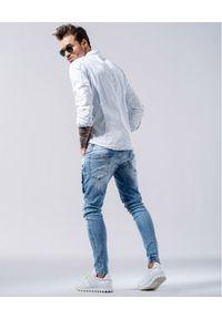 GUNS & TUXEDOS - Jasnoniebieska koszula Rico. Typ kołnierza: kołnierzyk klasyczny. Kolor: niebieski. Materiał: bawełna, jeans. Wzór: aplikacja. Styl: wakacyjny, klasyczny