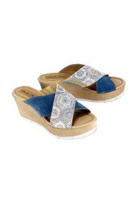 Niebieskie sandały Panto Fino na koturnie