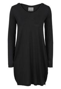 Sukienka z dżerseju z kapturem bonprix czarny. Typ kołnierza: kaptur. Kolor: czarny. Materiał: jersey. Długość rękawa: długi rękaw. Styl: elegancki