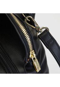 Wittchen - Torebka kuferek trzykomorowa. Kolor: czarny. Materiał: skórzane. Styl: casual. Rodzaj torebki: na ramię